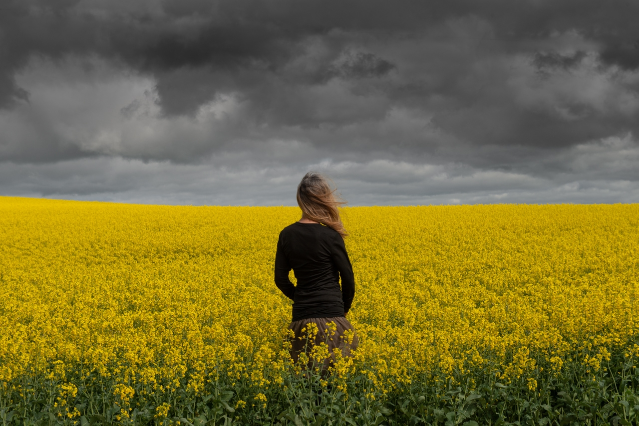 Wendy-Philip-in-a-canola-field